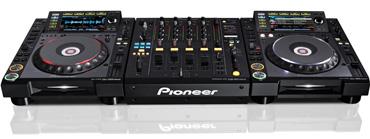 Pioneer CDJ-2000 Nexus met DJM-900 Nexus