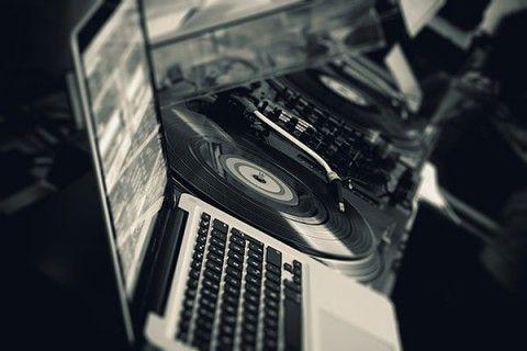 Broadcast een DJ set met Facebook Live