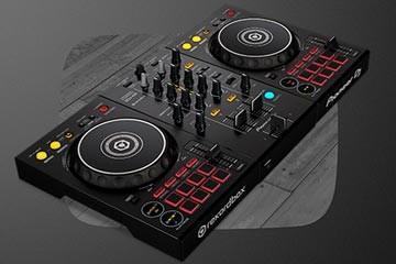 Pioneer DJ maakt de instap-controller nog aantrekkelijker: DDJ-400